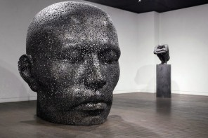 Figurative Sculptures Made From Chains by Young-Deok Seo