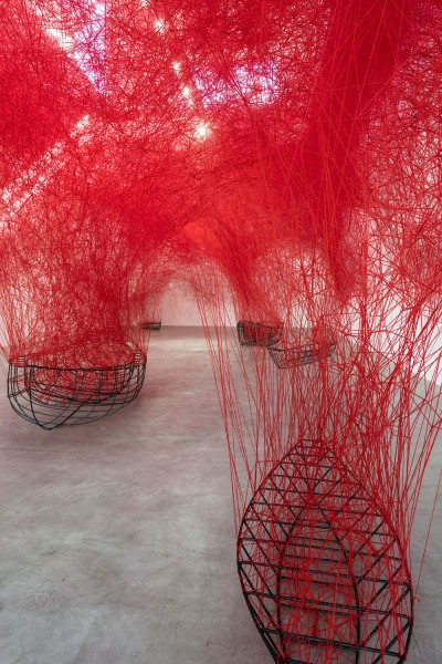 Chiharu-Shiota-Uncertain-Journey-2016-Installation-view-_005