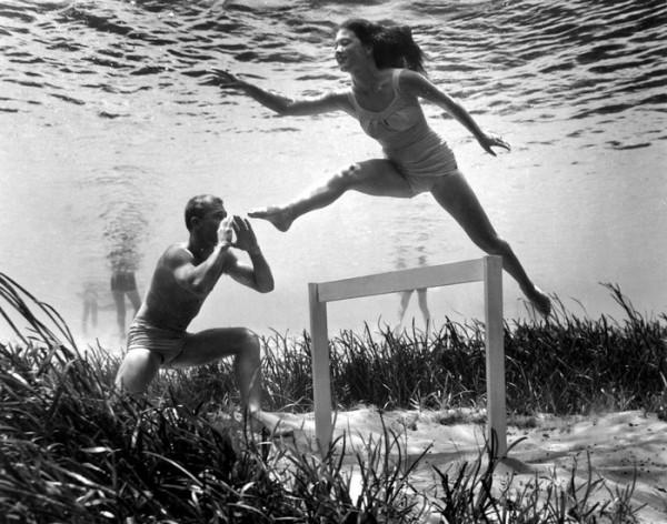 underwater-pinups-photography-1938-bruce-mozert-11-58930ee41