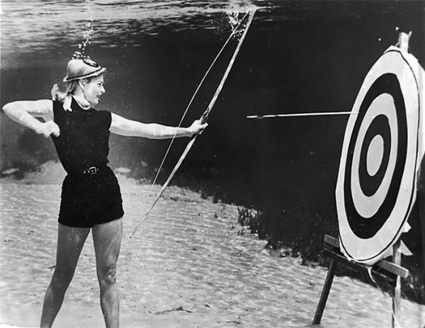 underwater-pinups-photography-1938-bruce-mozert-18-5893272ea