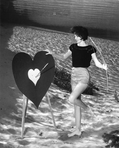 underwater-pinups-photography-1938-bruce-mozert-8-58930edbd9