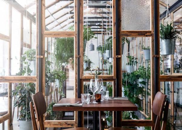 vakst-restaurant-in-copenhagen-is-green-oasis-2-800x571
