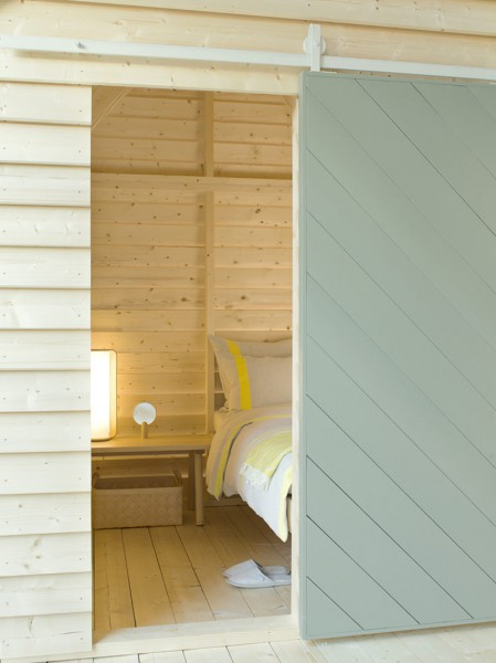 koti-pop-up-hotel-in-paris-by-linda-bergroth-3-800x1067
