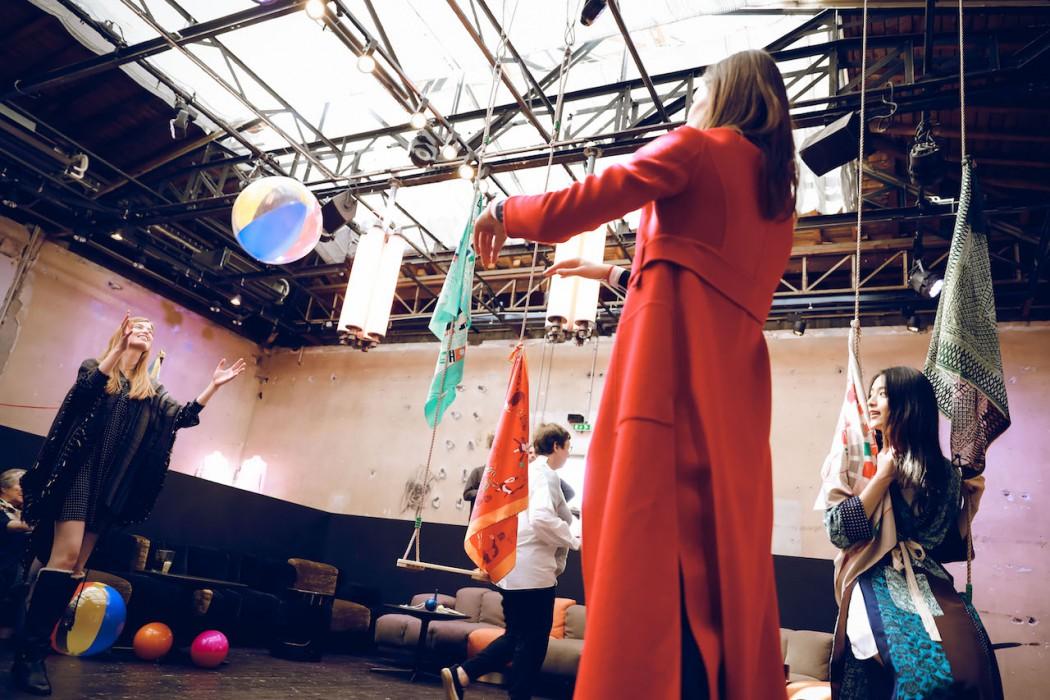 4.「上下」《RECREATION》2018秋冬新品预览于巴黎东京宫精彩呈现