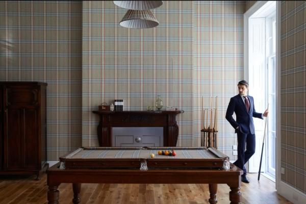 苏富比 X Huntsman 奢华生活方式专场拍卖-定制台球桌与Huntsman西装