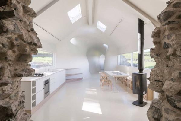 18th-century-ruins-transform-into-a-futuristic-home-10