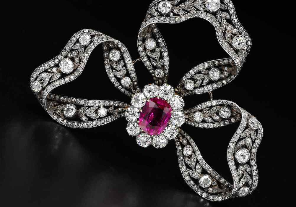 Ruby and diamond brooch - hair ornament - on black - Royal Jewels from the Bourbon Parma Family - Sotheby's 14 November 2018