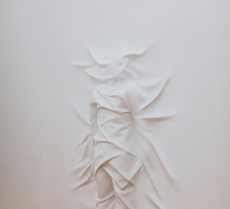 daniel-arsham-connecting-time-exhibition-moco-museum-amsterdam-8-770x1155