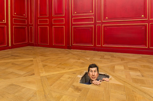 Maurizio-Cattelan-Not-Afraid-of-Love_01