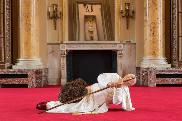 Maurizio-Cattelan-Not-Afraid-of-Love_08